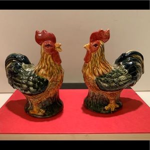 HAND-PAINTED CERAMIC ROOSTER SALT & PEPPER SHAKERS